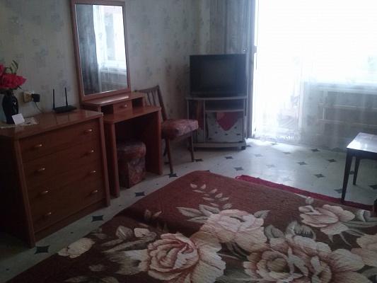 1-комнатная квартира посуточно в Херсоне. Суворовский район, ул. 49-й Гвардейской дивизии, 5. Фото 1