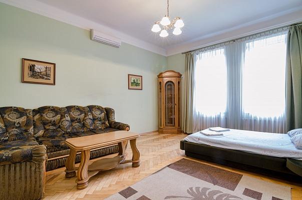 2-комнатная квартира посуточно в Львове. Галицкий район, ул. Наливайко, 12. Фото 1