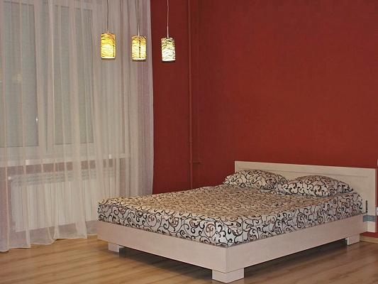 1-комнатная квартира посуточно в Ровно. ул. Соборная, 156. Фото 1