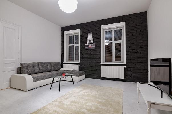 2-комнатная квартира посуточно в Львове. Галицкий район, ул. Дорошенко, 36. Фото 1