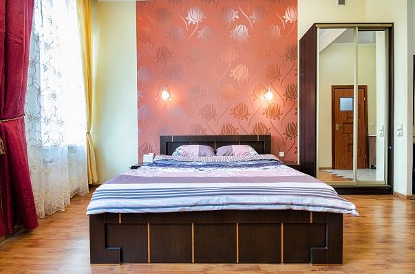 1-комнатная квартира посуточно в Львове. Галицкий район, ул. Ю. Дрогобыча, 9. Фото 1