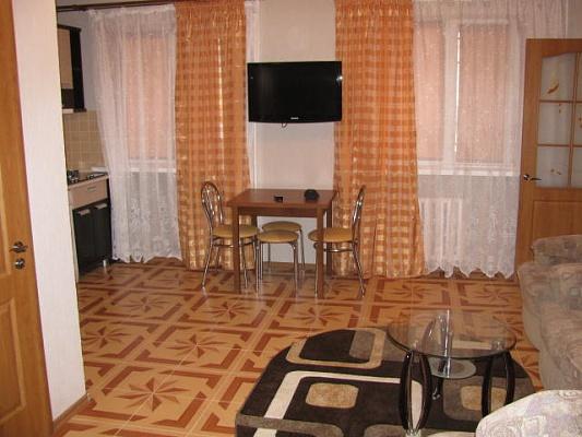 2-комнатная квартира посуточно в Ильичёвске. ул. Парковая, 18. Фото 1