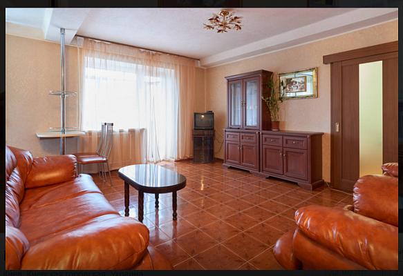 2-комнатная квартира посуточно в Киеве. Печерский район, Кловский спуск, 24. Фото 1