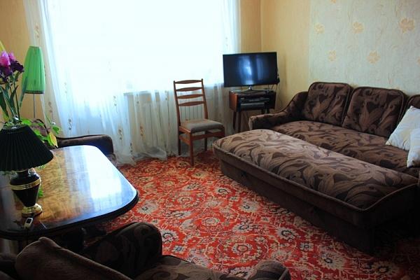 2-комнатная квартира посуточно в Бердянске. пр-т Пролетарский, 228. Фото 1