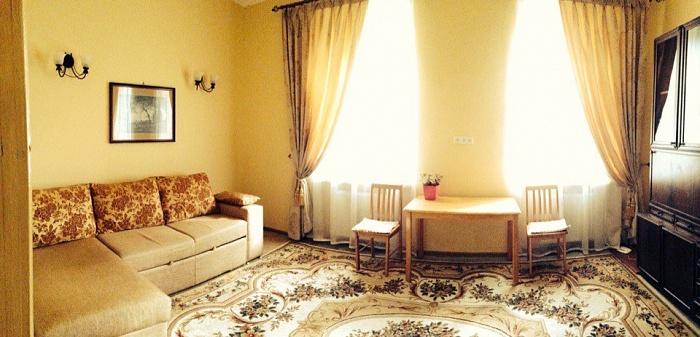 1-комнатная квартира посуточно в Львове. Лычаковский район, ул. Лычаковская, 19. Фото 1
