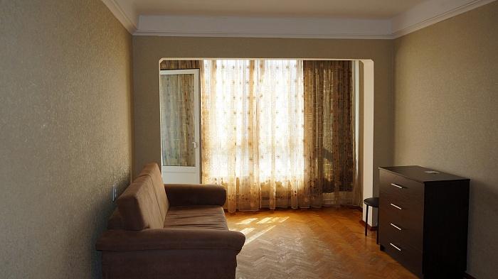 1-комнатная квартира посуточно в Киеве. Оболонский район, ул. Малиновского, 3Б. Фото 1