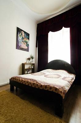 1-комнатная квартира посуточно в Львове. Галицкий район, ул. Фурманская, 1А. Фото 1