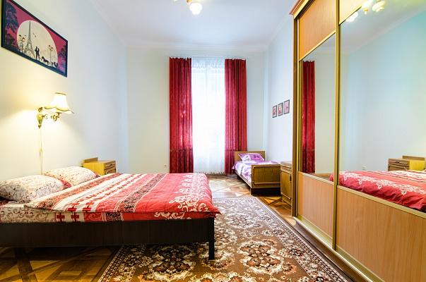 2-комнатная квартира посуточно в Львове. Галицкий район, ул. П. Ковжуна, 1. Фото 1