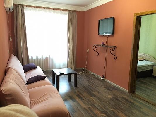 2-комнатная квартира посуточно в Полтаве. Киевский район, ул. Кондратенко, 2. Фото 1