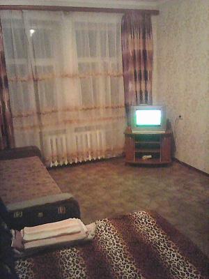 1-комнатная квартира посуточно в Днепропетровске. Амур-Нижнеднепровский район, ул. Любарского, 86. Фото 1