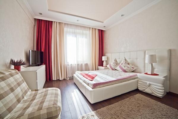 1-комнатная квартира посуточно в Чернигове. Деснянский район, пр-т Мира, 45. Фото 1