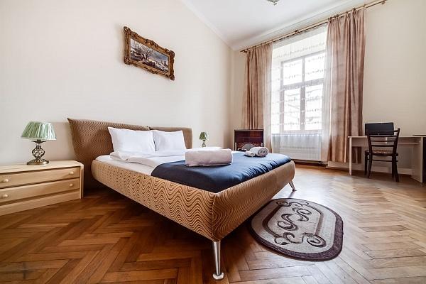 2-комнатная квартира посуточно в Львове. Галицкий район, ул. Валовая, 23. Фото 1