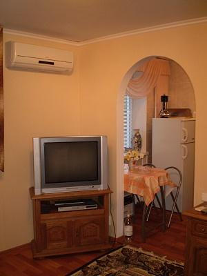 1-комнатная квартира посуточно в Гурзуфе. ул. Соловьева, 15. Фото 1