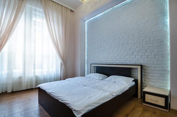 2-комнатная квартира посуточно в Львове. Галицкий район, ул. П. Дорошенко, 11. Фото 1
