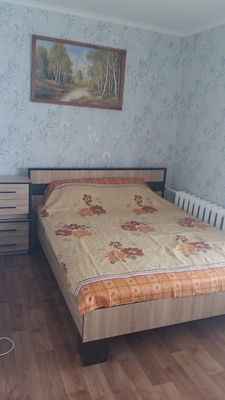 2-комнатная квартира посуточно в Каменце-Подольском. ул. Красноармейская, 39. Фото 1