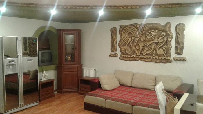 3-комнатная квартира посуточно в Ужгороде. ул. Швабская, 58. Фото 1