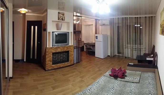 1-комнатная квартира посуточно в Кривом Роге. Долгинцевский район, пр-т Гагарина, 72. Фото 1