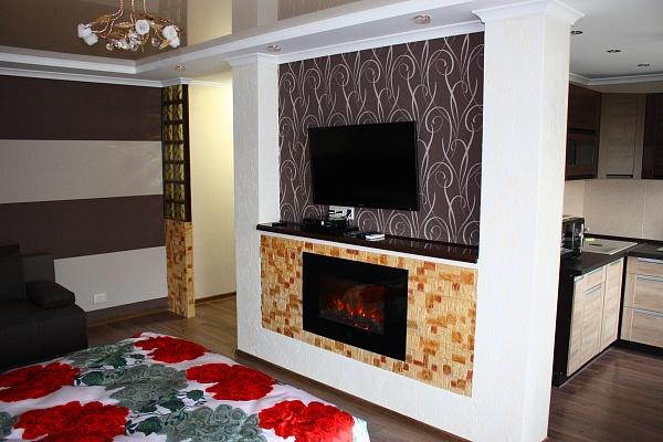 1-комнатная квартира посуточно в Мариуполе. б-р Богдана Хмельницкого, 35. Фото 1