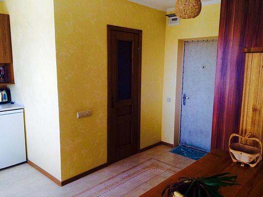 1-комнатная квартира посуточно в Черкассах. б-р Шевченка, 90. Фото 1