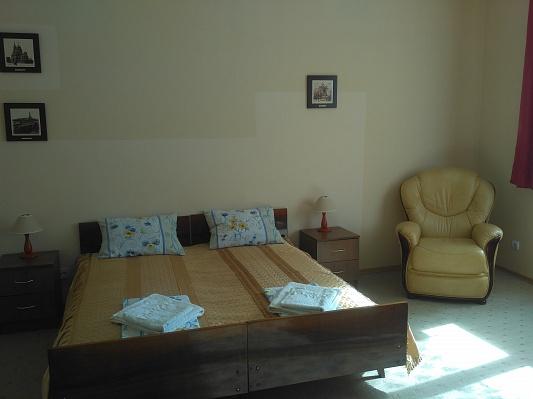 Комната  посуточно в Мукачево. пл. Мира, 3. Фото 1