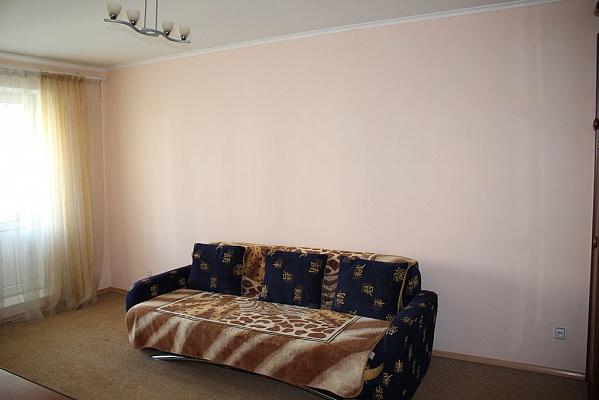 2-комнатная квартира посуточно в Киеве. Деснянский район, ул. Бальзака, 40. Фото 1
