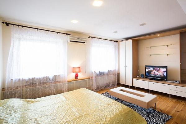 1-комнатная квартира посуточно в Харькове. Киевский район, ул. Пушкинская, 54. Фото 1