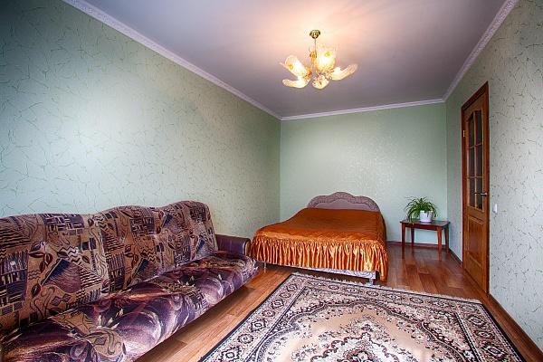 1-комнатная квартира посуточно в Нежине. ул. Авдеевская, 1. Фото 1