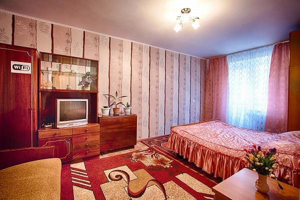 1-комнатная квартира посуточно в Нежине. ул. Московская, 54. Фото 1