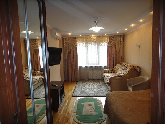 1-комнатная квартира посуточно в Ивано-Франковске. ул. Вагилевича, 3. Фото 1