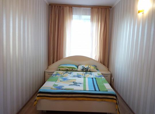 2-комнатная квартира посуточно в Виннице. Замостянский район, ул. Академика Янгеля (Фрунзе), 8. Фото 1
