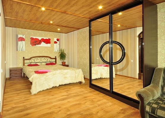 1-комнатная квартира посуточно в Харькове. Краснозаводской район, пр-т Гагарина, 40. Фото 1