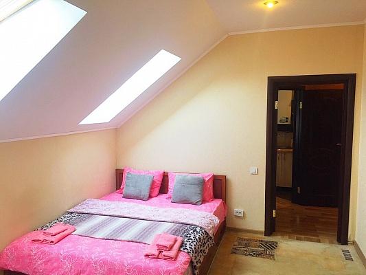 1-комнатная квартира посуточно в Буче. ул. Бориса Гмыри, 10. Фото 1