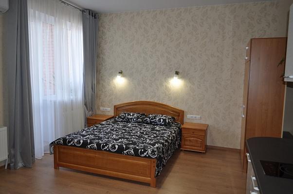 1-комнатная квартира посуточно в Одессе. Приморский район, пер. Книжный, 19. Фото 1