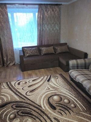 2-комнатная квартира посуточно в Чернигове. Деснянский район, пр-т Победы, 123а. Фото 1