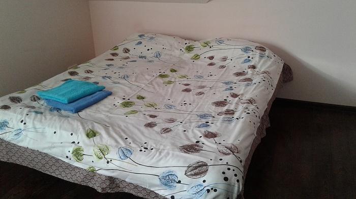 1-комнатная квартира посуточно в Буче. ул. Воинов Интернационалистов , 16а. Фото 1