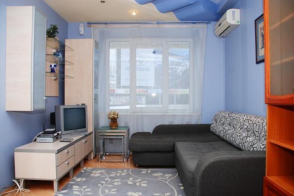 2-комнатная квартира посуточно в Киеве. Голосеевский район, ул. Большая Васильковская , 114. Фото 1