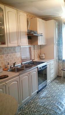 3-комнатная квартира посуточно в Чернигове. Деснянский район, ул. Рокоссовского, 35. Фото 1
