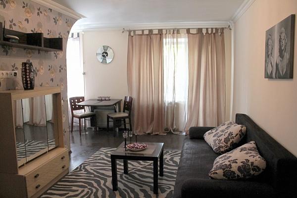 2-комнатная квартира посуточно в Львове. Лычаковский район, ул. Костя Левицкого, 87. Фото 1