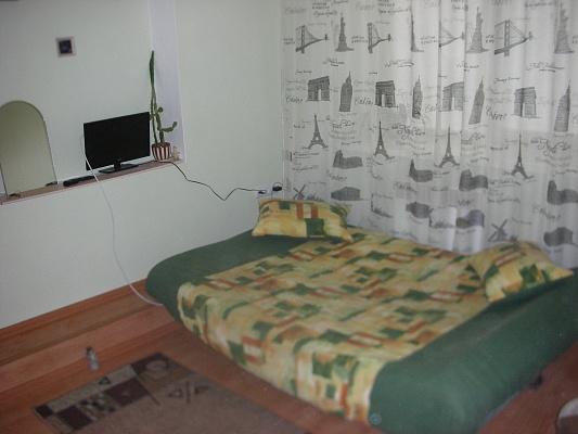 1-комнатная квартира посуточно в Ровно. ул. Княгини Ольги, 10А. Фото 1