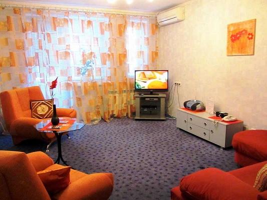 2-комнатная квартира посуточно в Киеве. Подольский район, ул. Хорива, 32. Фото 1