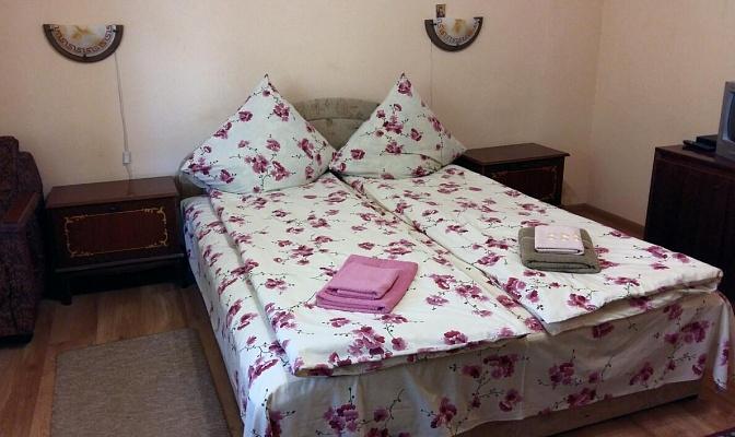 2-комнатная квартира посуточно в Берегово. ул. Томаша Михая, 34. Фото 1