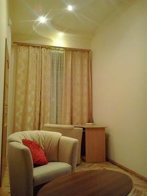 2-комнатная квартира посуточно в Львове. Лычаковский район, ул. Филатова, 10. Фото 1