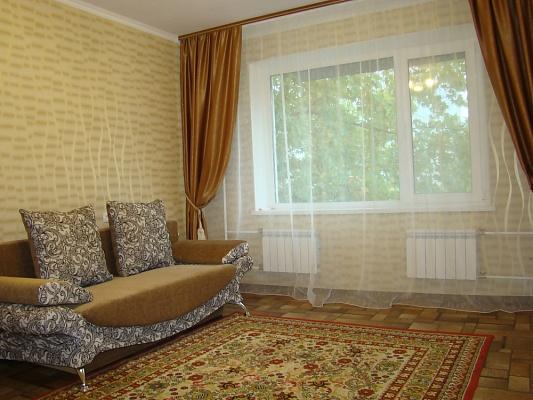 1-комнатная квартира посуточно в Энергодаре. ул. Молодежная (Комсомольская), 89. Фото 1