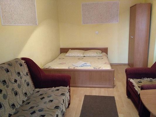 1-комнатная квартира посуточно в Ужгороде. ул. Станционная, 6. Фото 1