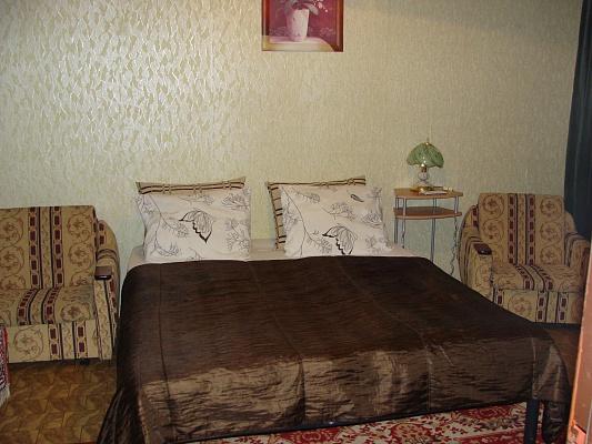 1-комнатная квартира посуточно в Ужгороде. ул. Легоцкого, 70. Фото 1