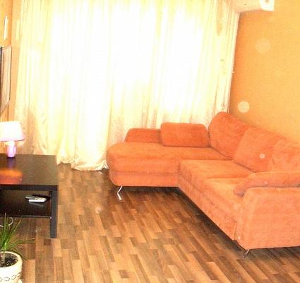 2-комнатная квартира посуточно в Запорожье. Орджоникидзевский район, пр-т Соборный, 158. Фото 1