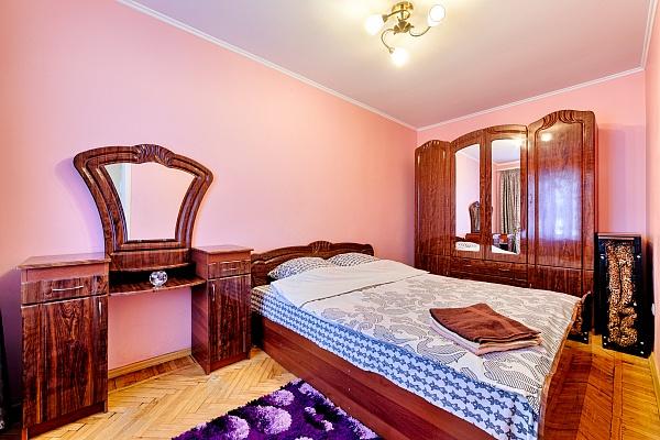 2-комнатная квартира посуточно в Одессе. Приморский район, ул. Преображенская, 59/61. Фото 1