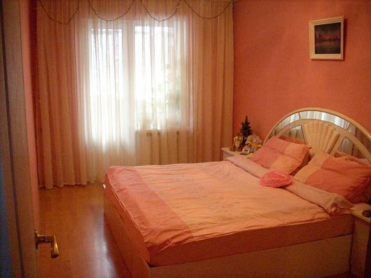 3-комнатная квартира посуточно в Донецке. Киевский район, ул. Северская, 19. Фото 1