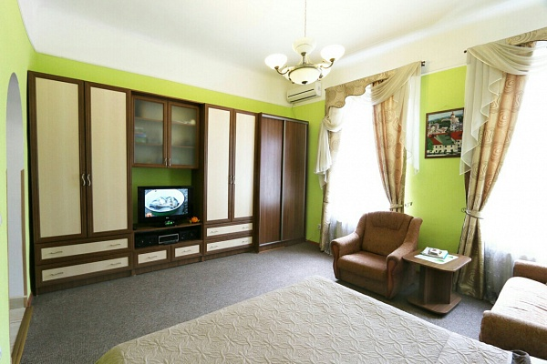 1-комнатная квартира посуточно в Львове. Галицкий район, ул. Балабана, 2. Фото 1