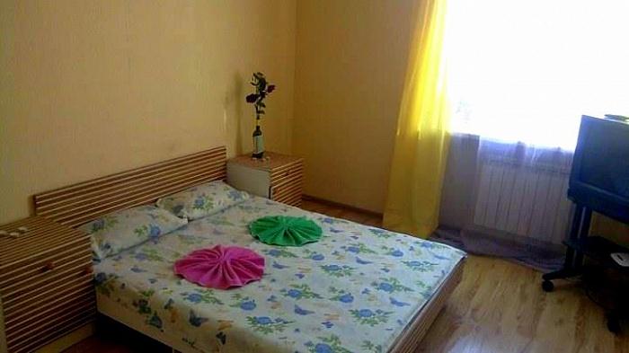 2-комнатная квартира посуточно в Каменце-Подольском. Хмельницьке шосе, 15. Фото 1